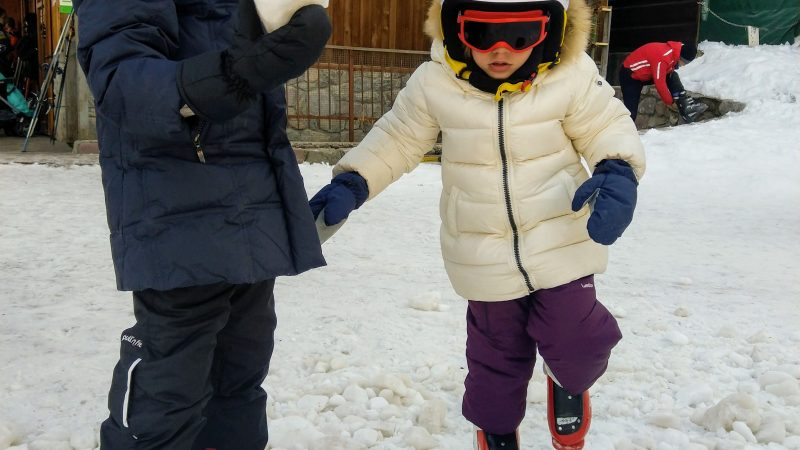 Dal manuale dei genitori masochisti: gli sci.