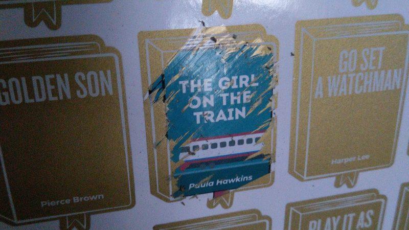 #5. La ragazza del treno.     Un libro di Paula Hawkins