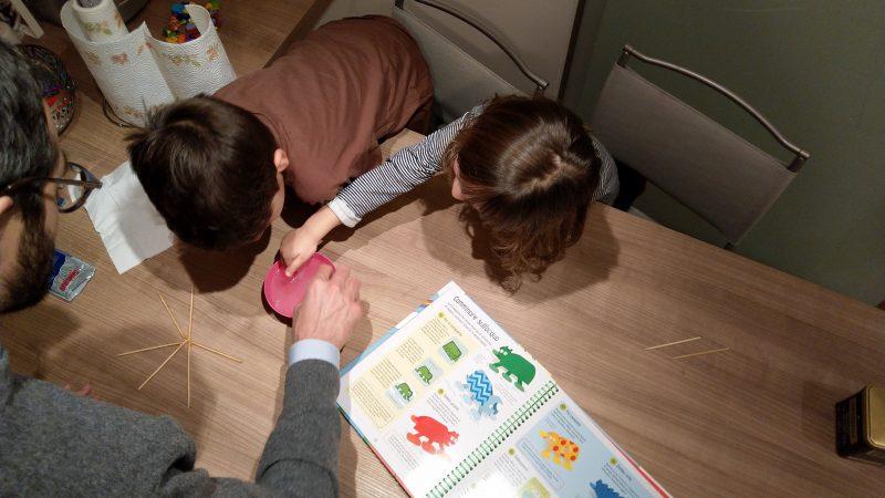 Come stimolare la curiosità nei bambini con gli esperimenti