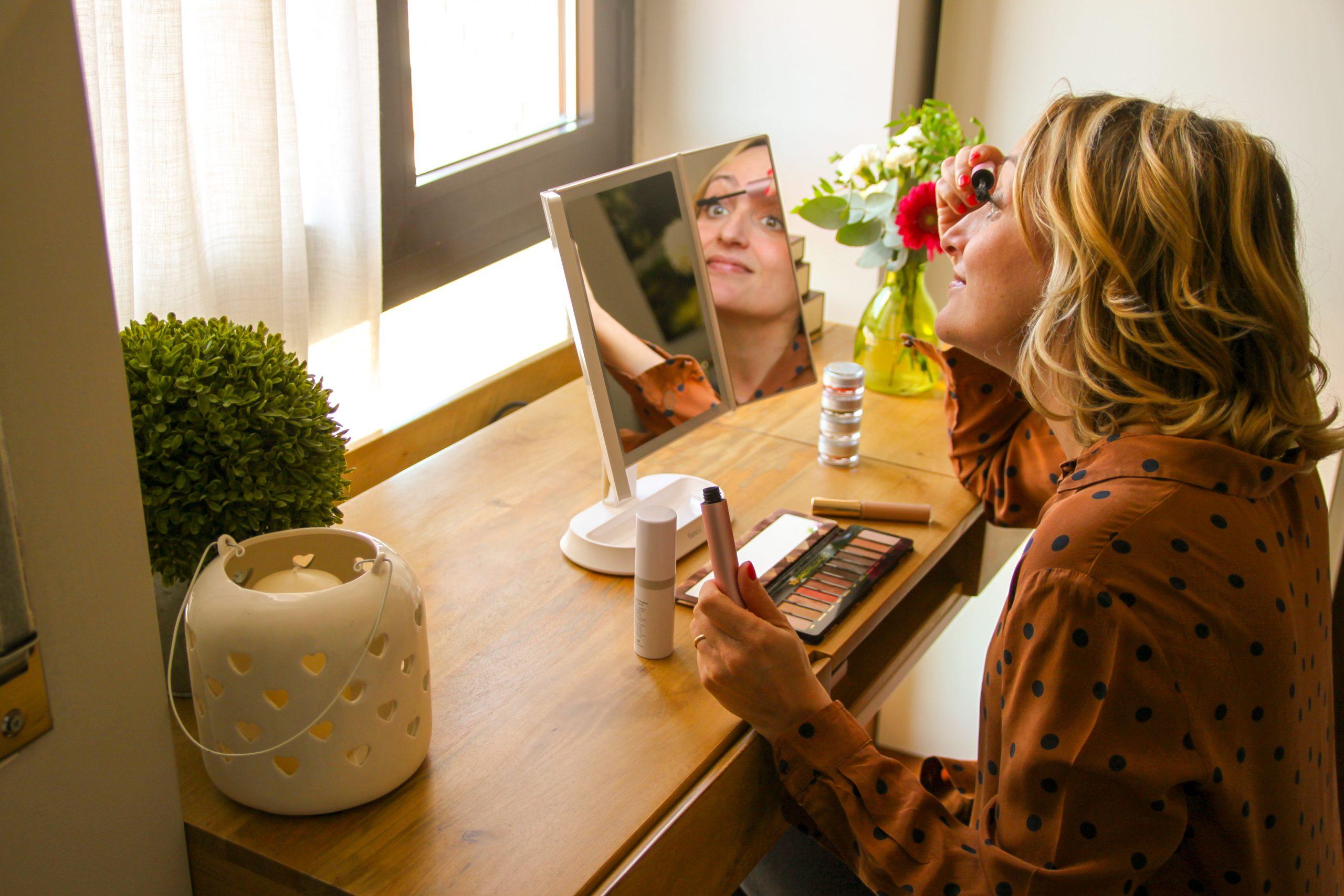 La scrivania con cassetti dei sogni: lavoro e make up!